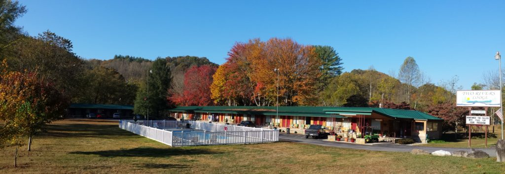 Two Rivers Lodge And Cabins